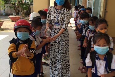 Trường TH Vĩnh Thuận 1 Thực Hiện Tốt Dịch Covid-19 Đầu Năm 2021
